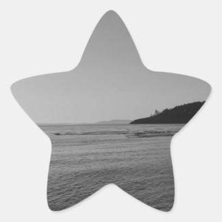 Puesta del sol blanco y negro del océano pegatina forma de estrella personalizadas