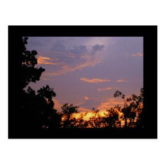 Puesta del sol bonita tarjeta postal