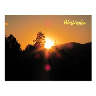 Puesta del sol brillante sobre Washington Postal