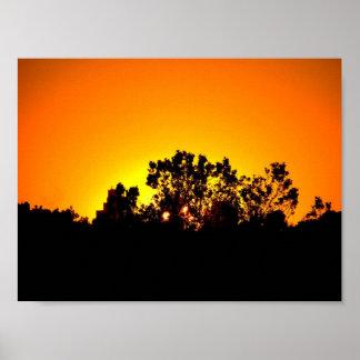 Puesta del sol coloreada por el poster de Bobby Mi