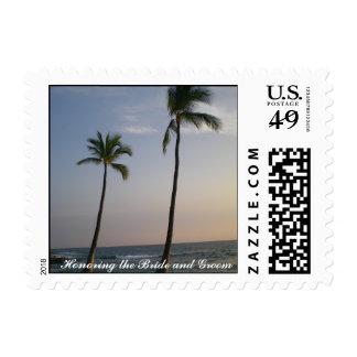 Puesta del sol con los vientos comerciales novia y sellos postales