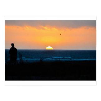 Puesta del sol con usted postal