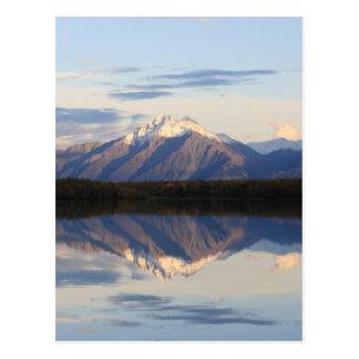Puesta del sol de Alaska de la montaña Tarjeta Postal