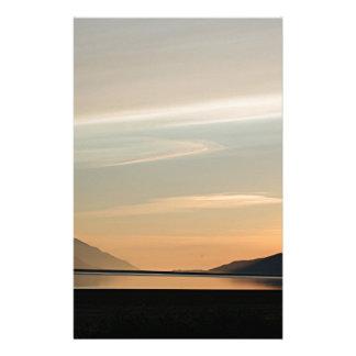 Puesta del sol de Alaska sobre el brazo 2 de Papelería Personalizada