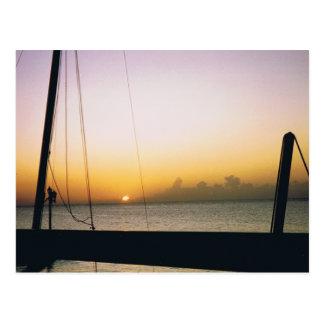 Puesta del sol de Aruba Postal