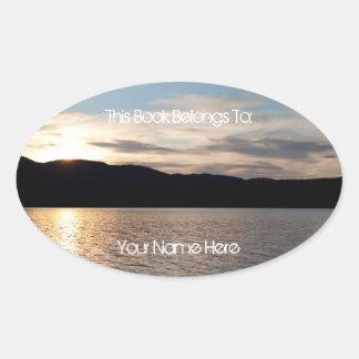 Puesta del sol de Kinaskan Pegatinas Oval Personalizadas