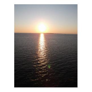 Puesta del sol de la bahía móvil tarjeta postal