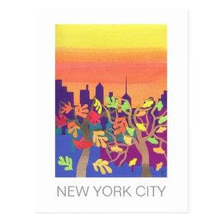 Puesta del sol de la caída sobre la postal de NYC