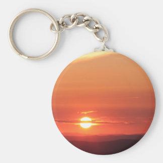 Puesta del sol de la montaña en el Shenandoah Llavero Redondo Tipo Pin