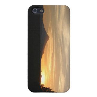 Puesta del sol de la montaña iPhone 5 fundas
