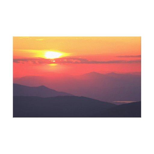 Puesta del sol de la montaña lona envuelta para galerias