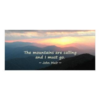 Puesta del sol de la montaña: Mtns que llama la Tarjeta Publicitaria A Todo Color