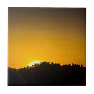 Puesta del sol de la montaña rocosa tejas  ceramicas