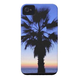 Puesta del sol de la palmera Case-Mate iPhone 4 cobertura