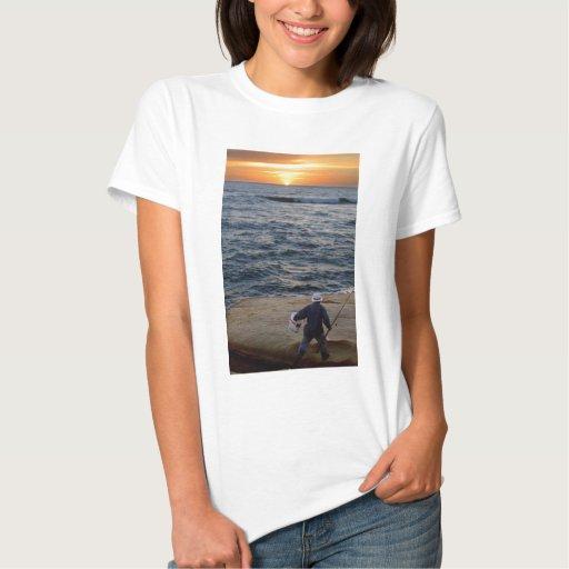Puesta del sol de la pesca camisas
