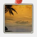 Puesta del sol de la playa adornos de navidad