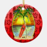 Puesta del sol de la playa del navidad adorno navideño redondo de cerámica