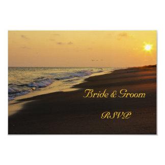"""Puesta del sol de la playa que casa la tarjeta de invitación 3.5"""" x 5"""""""