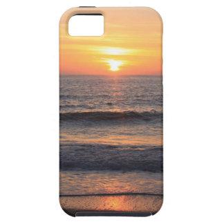Puesta del sol de la playa sobre el océano iPhone 5 Case-Mate carcasas