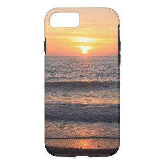Puesta del sol de la playa sobre el océano funda iPhone 7