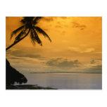 Puesta del sol de la playa tarjeta postal