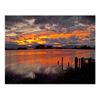 """~ """"puesta del sol de la POSTAL sobre el río Clark"""