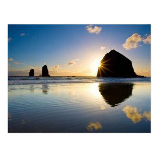 Puesta del sol de la roca del Haystack - playa del Postal