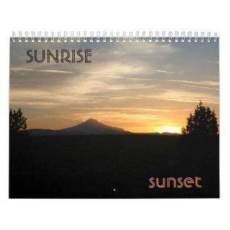 Puesta del sol de la salida del sol calendario de pared