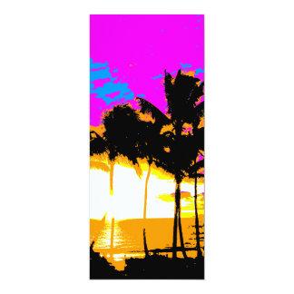 Puesta del sol de las palmeras del vintage del invitación