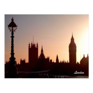 Puesta del sol de Londres Tarjetas Postales