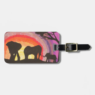 Puesta del sol de los elefantes africanos @ (arte  etiquetas bolsas