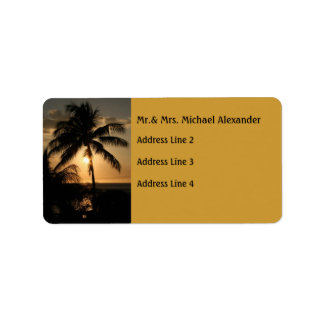 Puesta del sol de oro de la palmera etiquetas de dirección