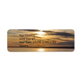 Puesta del sol de oro - etiquetas del remite etiqueta de remite