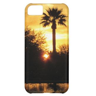 Puesta del sol de oro sobre el caso del iPhone 5 d