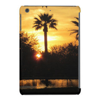 Puesta del sol de oro sobre Tucson Fundas De iPad Mini