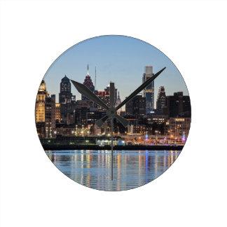 Puesta del sol de Philly Reloj De Pared