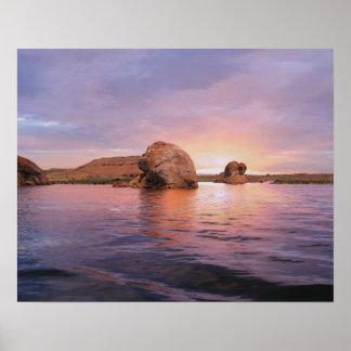 Puesta del sol de Powell del lago Posters