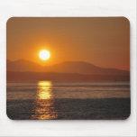 Puesta del sol de Puget Sound Alfombrillas De Ratón