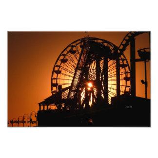 Puesta del sol de Santa Mónica a través de la nori Fotografías