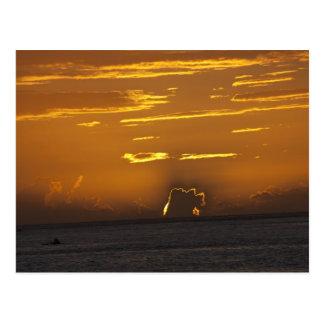 Puesta del sol de Tahitian Postales