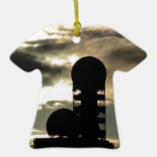 Puesta del sol de Teufelsberg, Berlín Adorno De Cerámica En Forma De Camiseta