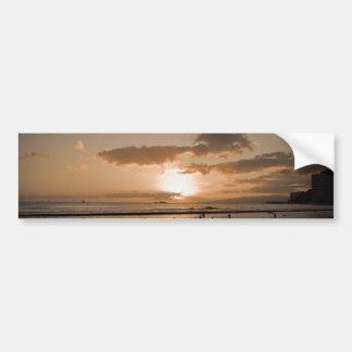 Puesta del sol de Waikiki Etiqueta De Parachoque