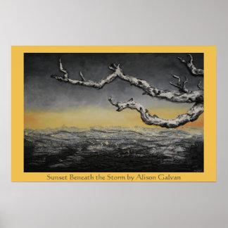 Puesta del sol debajo de la tormenta del artista póster