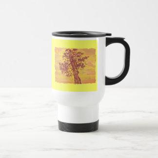 puesta del sol del árbol del enebro taza