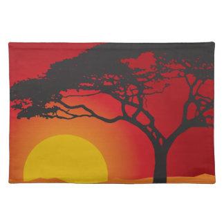 Puesta del sol del árbol mantel