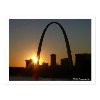 Puesta del sol del arco de St. Louis Tarjeta Postal