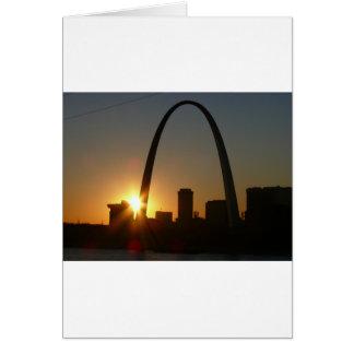 Puesta del sol del arco de St. Louis Tarjeton