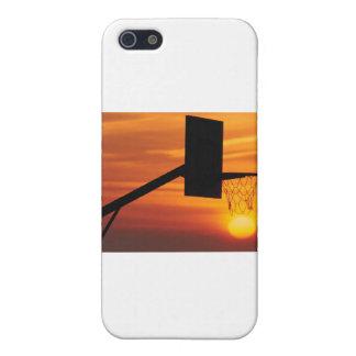 PUESTA DEL SOL DEL BALONCESTO iPhone 5 CARCASAS