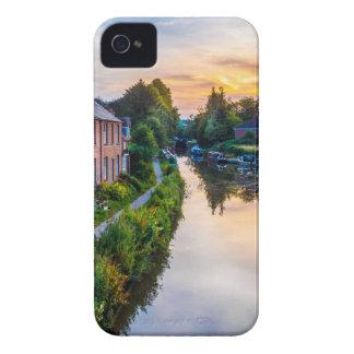Puesta del sol del canal de Hungerford iPhone 4 Case-Mate Cárcasa