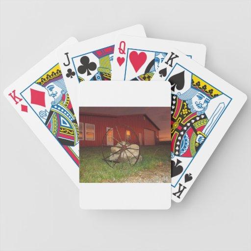Puesta del sol del && del granero del país barajas de cartas